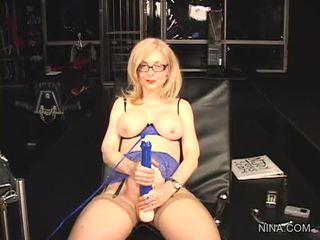 Nina hartley pleasures 그녀의 cookie 와 이 섹스 tool