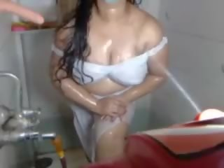 Indisch heet aunty webcam teasing in badkamer: gratis porno b0