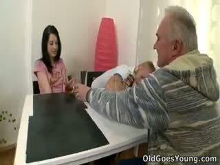 Olga mintis ji was faithful į jos boyfriend iki tai
