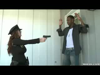 Politie vrouwen likes het zwart!