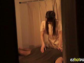 Ezhotporn.com - zierlich japanaese flittchen looks für sex
