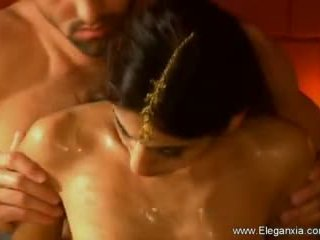 Erotický tantra sex healing