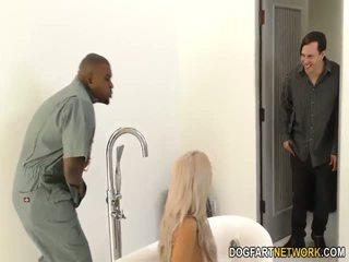 Cuckold boyfriend watches nina elle gets fucked oleh bbc