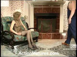Penelope un adam uzbudinātas māte uz darbība