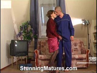 milf sex, porr flicka och män i sängen, porn in and out action