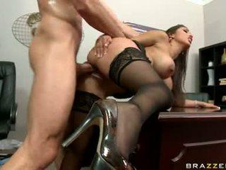 ציצים גדולים, משרד, סקס במשרד