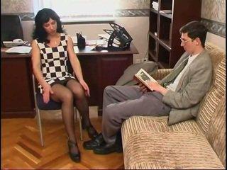 Lung legged rus milf în ciorap și o guy