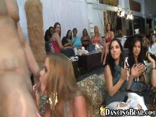 Dronken meisjes bij seks orgys
