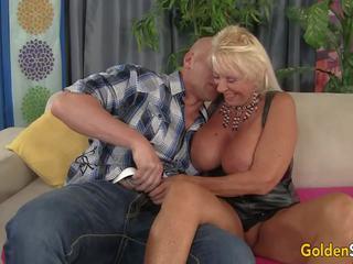 blowjobs, big boobs, vecmāmiņa