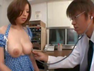 Vollbusig asiatisch erhalten nippel lutschen im die krankenhaus: porno 8f