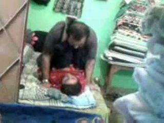 Äldre kåta pakistanska par enjoying kort muslim kön session
