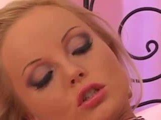 Silvia saint solo: brezplačno blondinke porno video dc