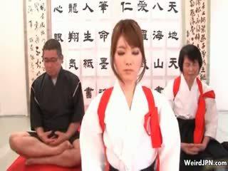 Schattig japans karate babe misbruikt part6