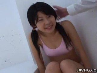 亚洲人 青少年 吸吮 它 如 硬 如 她 可以