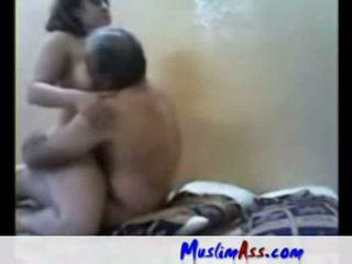 Arab स्लट गड़बड़ द्वारा पुराना आदमी