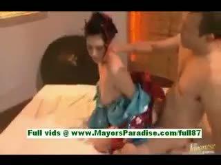 Saori hara geil aziatisch vrouw in bed gets een pijpen
