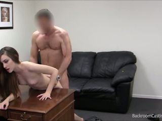 Aspiring model and fast nahar worker needs a little extra nagt pul so daisy decides to fuck for pul