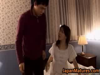 Mature japanese model gets fingered