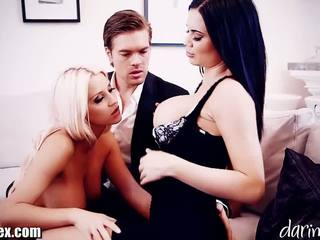 Daringsex cumswapping kvinna kvinnlig manlig trekanter