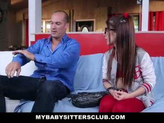 Mybabysittersclub - tenger baysitter geneukt door de geil baas