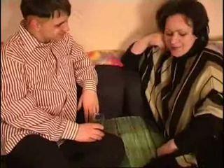 Російська мама і син товста