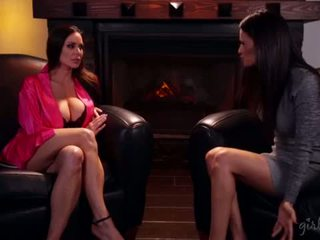Awesome busty MILFs Kendra Lust and Vanessa Veracruz