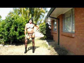 crossdresser, lingerie, de plein air