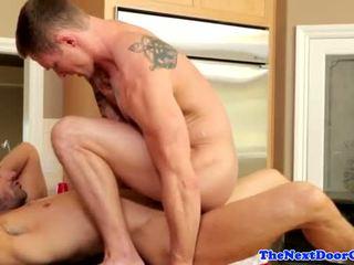 Muscle jock pounding stram rumpe før cumming