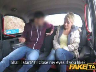 Fake taxi máma jsem rád šoustat rides čeština kohout pro volný jízda