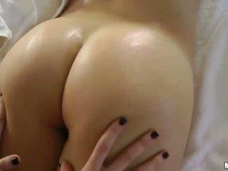 hot brunette, erotisk massasje, moro massasje mest