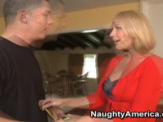 Hot Mellanie Monroe Shaggs All Over The Lucky Fellow