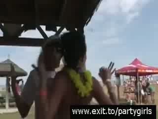 Public Party with horny drunk Teens Video