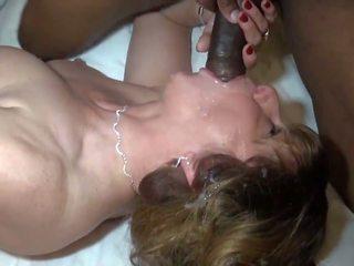Läkkäämpi loves hänen musta solid sausage, hd porno a4