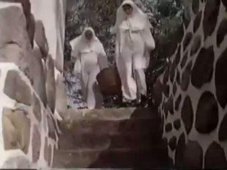 Depraved szex a nuns