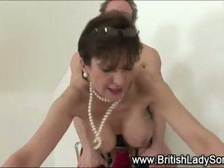Rijpere milf dame sonia pijpen neuken