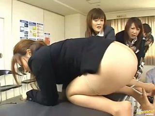 Азіатська підліток дівчинки дати їх asses для анал секс