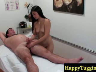 Реальний китаянка masseuse buffs sausage