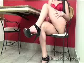 brunete, laupījums, striptīzs