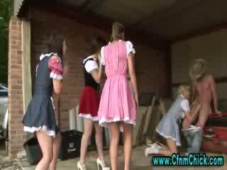 الملبس أنثى العاري ذكر فندوم مزرعة الفتيات tugging كوك
