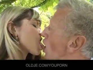 ciuman, cum di mulut, mahasiswi