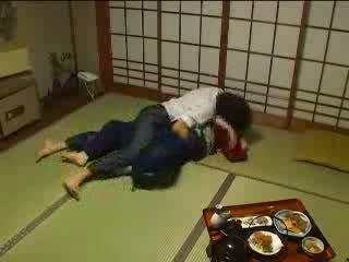 Japanska molested av henne husbands bror video-
