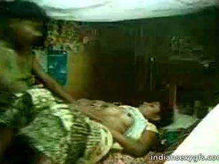 Desi कज़िन sister सवारी पर भाई पर घर alone - indiansexygfs.com