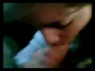아르헨티나 소녀 빨기 에 자동차