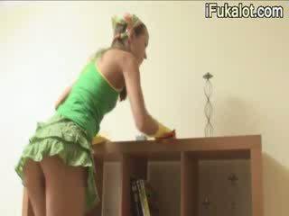 Ivana uzkopšana istaba un getblowjob dzimumloceklis