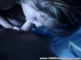 Blond baben fågelunge smäll extractingjob hon loves till suga extracting henne pojke vän av moon