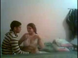 Desi 大 屁股 和 大 breast 女孩