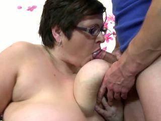 Big diwasa mom suck and fuck young lucky boy: free porno 4c