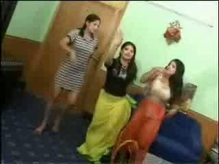 벌거 벗은 arab 소녀 비디오