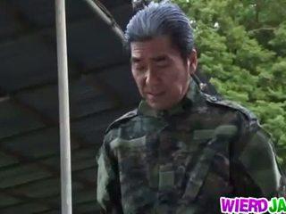 Wierd japāna: japānieši mammīte got tied augšup un tortured kails