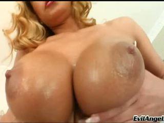 gros seins, poussin, séduisant